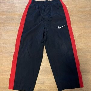 Boys 4T Nike windbreaker pants